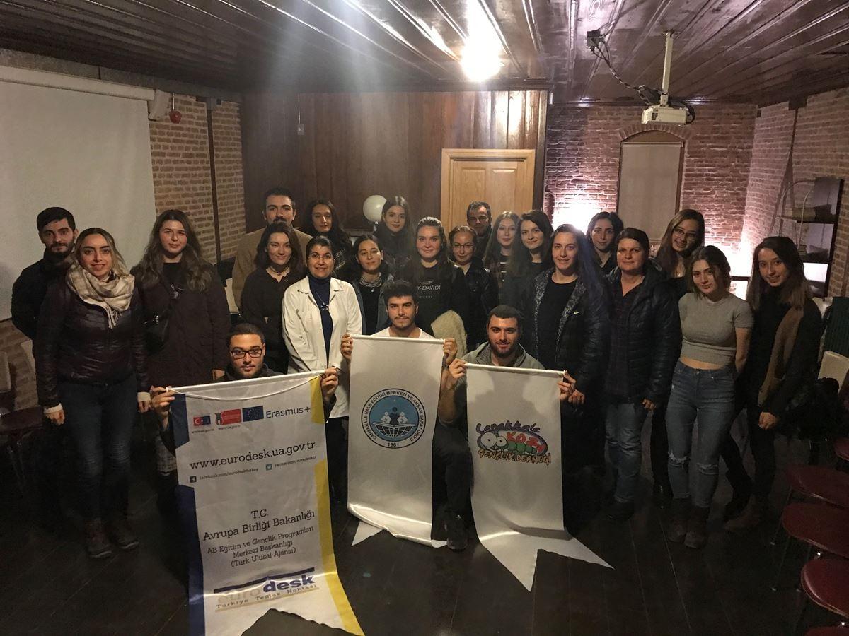 Türk İşaret Dili Kursu Devam Ediyor